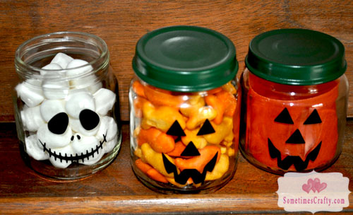 Turn baby food jars into treats favors for Baby food jar crafts pinterest