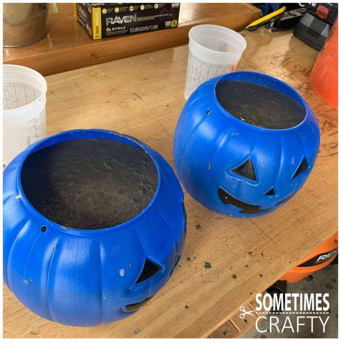 Cement Pumpkins with Mix Sometimes Crafty